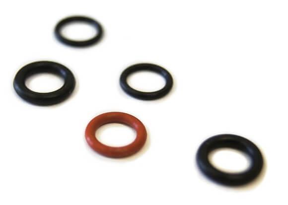 Regulační kroužky dodávané s produkty Watersavers. Jejich kombinací sami nastavíte průtok vody perlátorem.