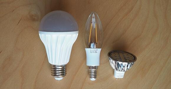 Patice žárovky (zleva): E27 - RGB žárovka ELKO ep, E14 - Mr. LED (Filament), MR16 - Mr. LED.