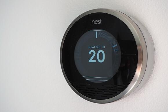 Prostým otočením termostatu navolíte požadovanou teplotu.